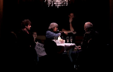 Neumarkt Zürich: Round Table